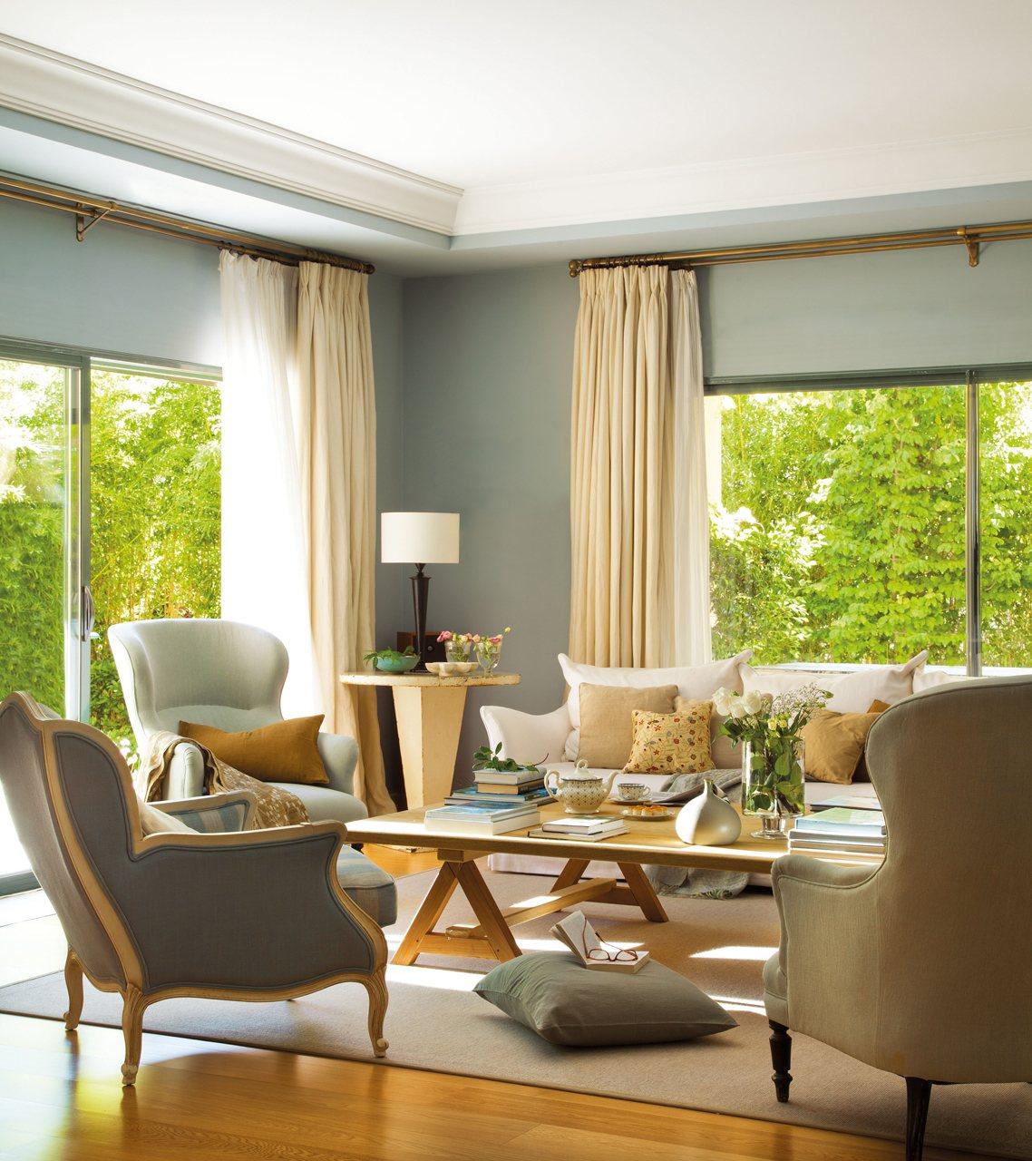 Casa y jard n en verdes y azules for Cortinas para paredes grises