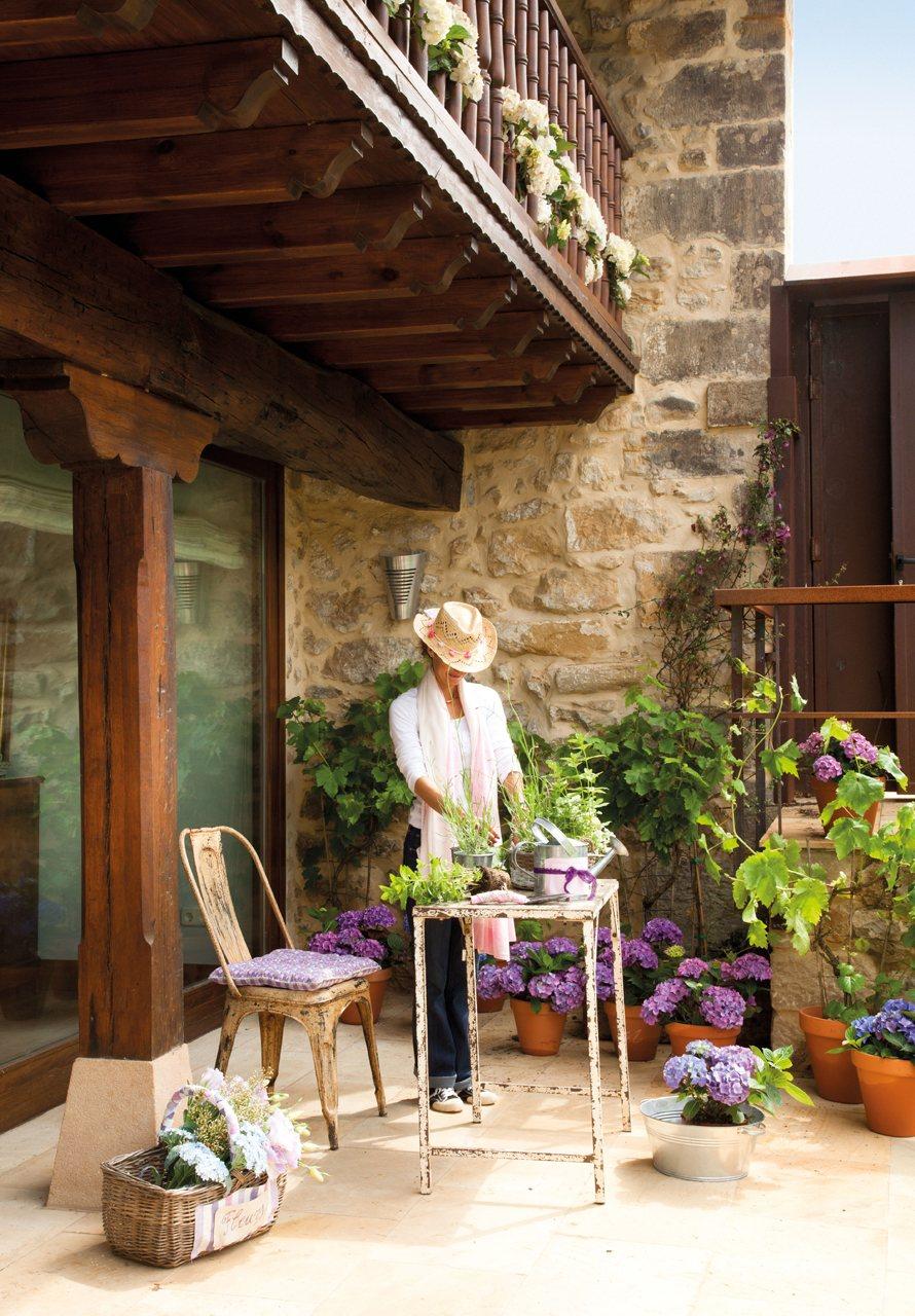 Una casa fresca y relajante a cool and relaxing home for Casa con jardin barcelona