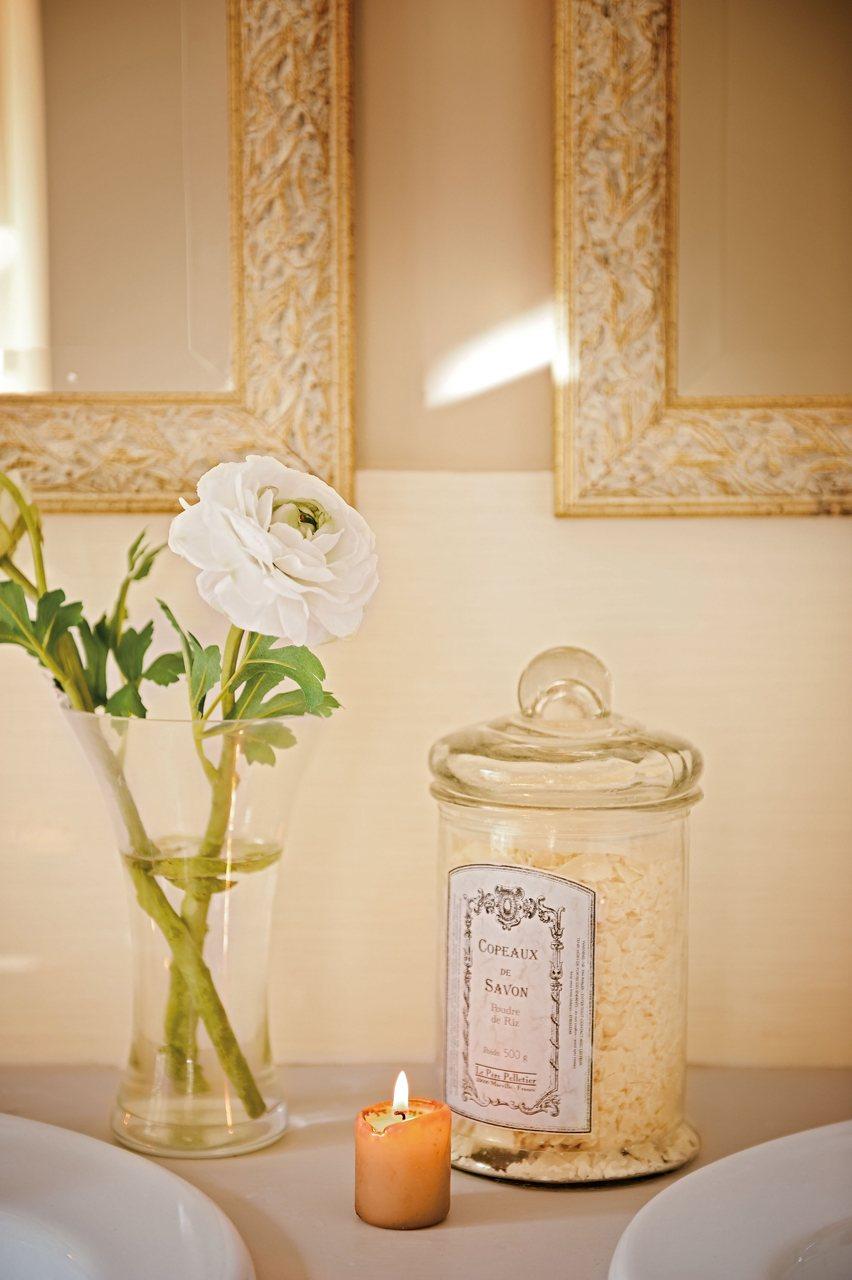 Nueva vida en una casa de campo del sigo xix for Detalles decoracion casa