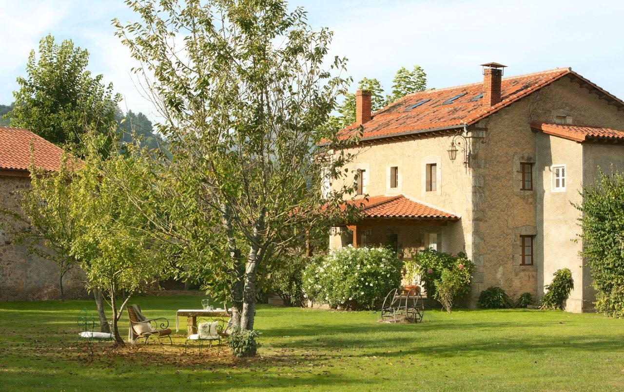 Finca del monasterio for Casa y jardin bazaar 2013