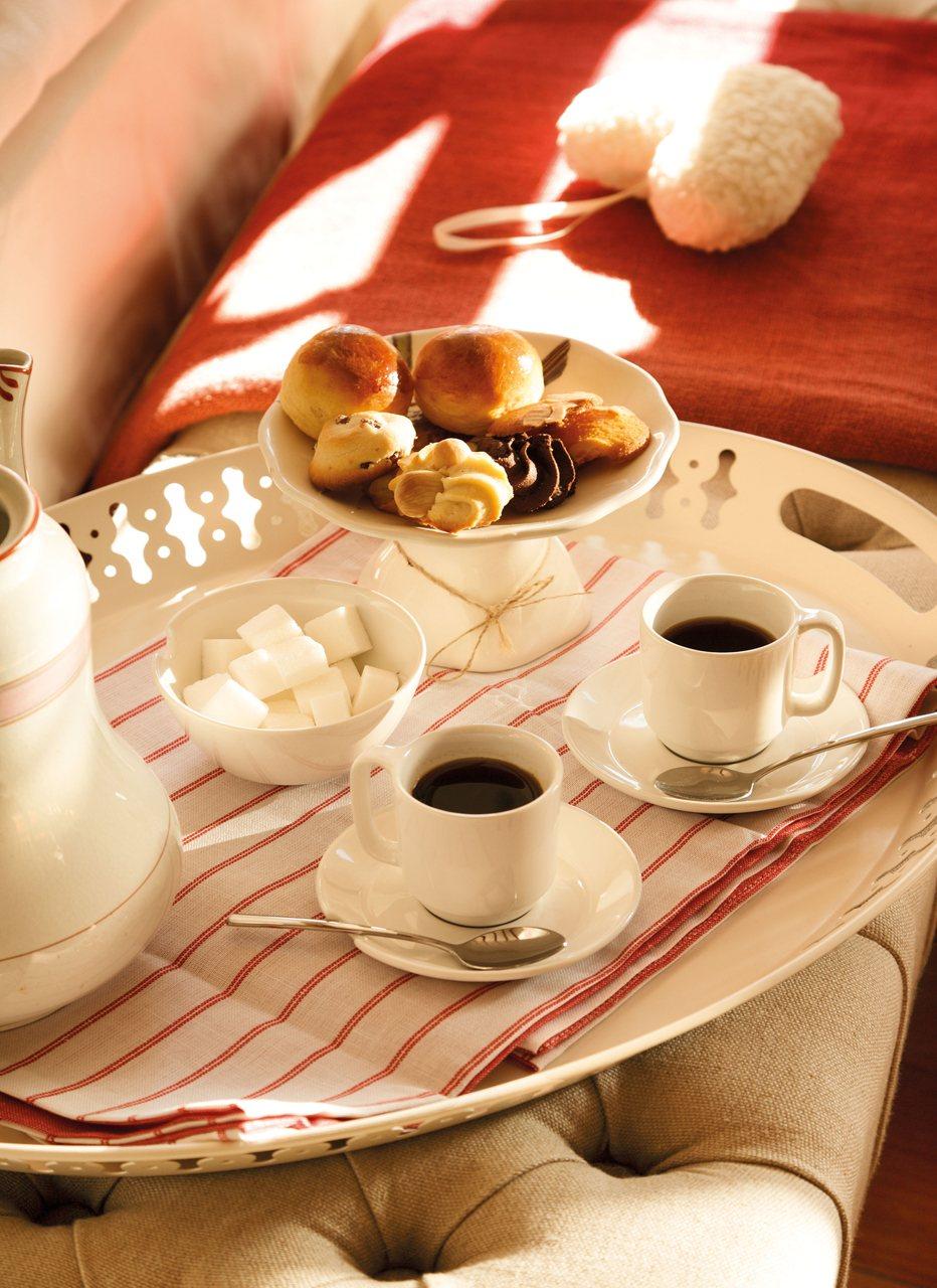 Una casa del siglo xvii rehabilitada - Bandeja desayuno cama ...
