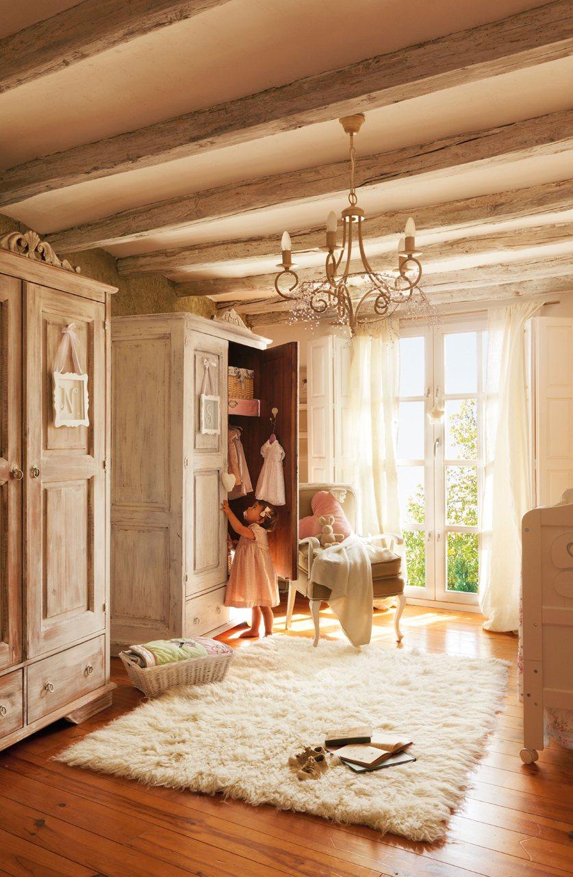 Una casa del siglo xvii rehabilitada - Armarios dormitorio ...
