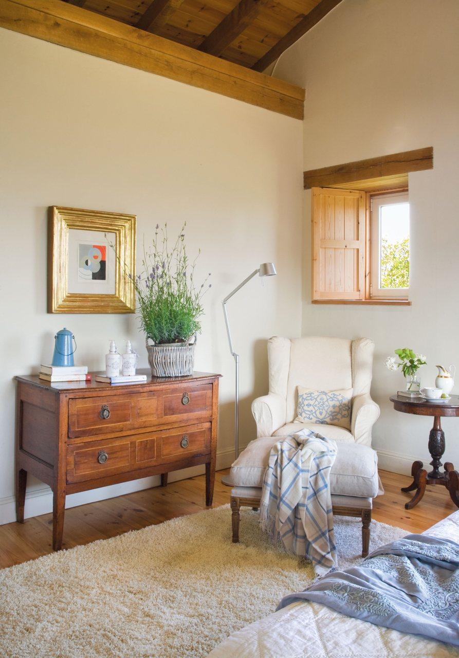 C mo restaurar una c moda antigua - Como decorar una habitacion rustica ...