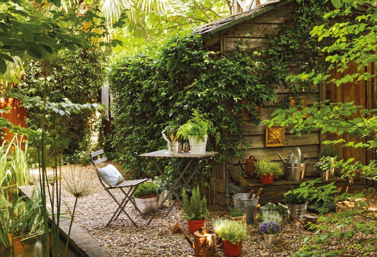 C mo decorar la casa para ser m s feliz for Como decorar un jardin con piedras y plantas