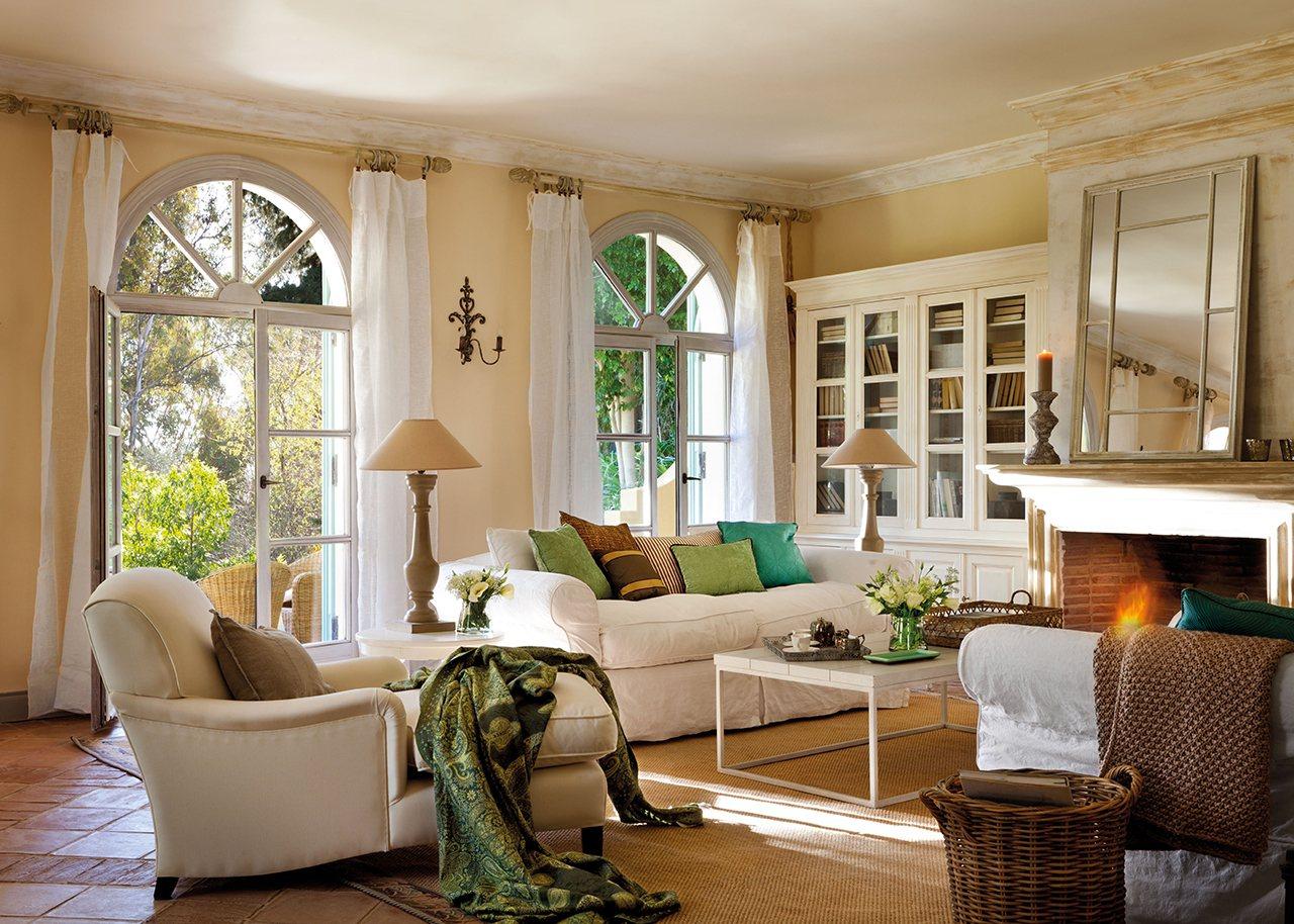 Una casa en el sur entre naranjos y con aires del for Salon couleur beige