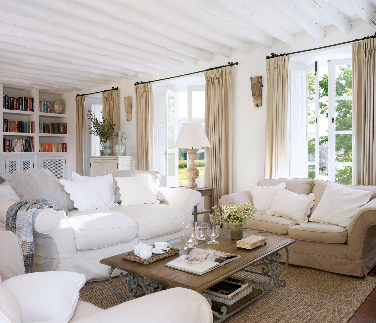 Como Decorar Un Sofa Blanco Con Cojines.Sofas Blancos Todas Las Ventajas De Un Basico Infalible En