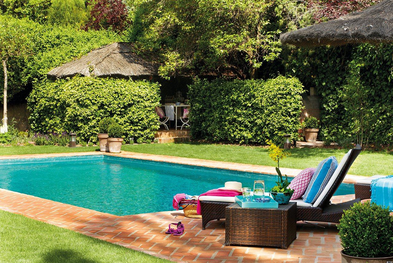 Las mejores piscinas para desconectar este verano for Color de pintura al aire libre casa moderna