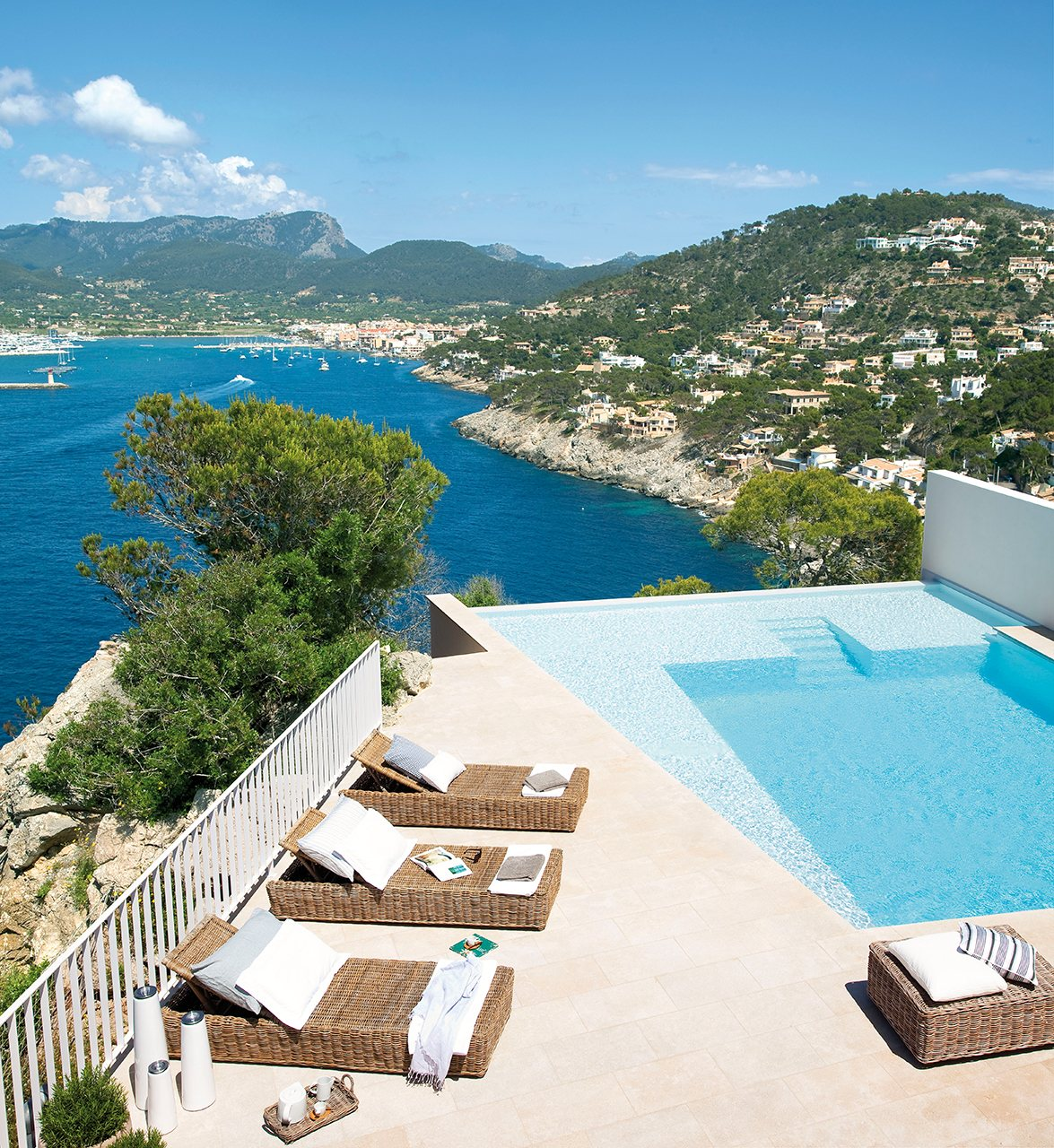 Las mejores piscinas para desconectar este verano for Piscinas espectaculares