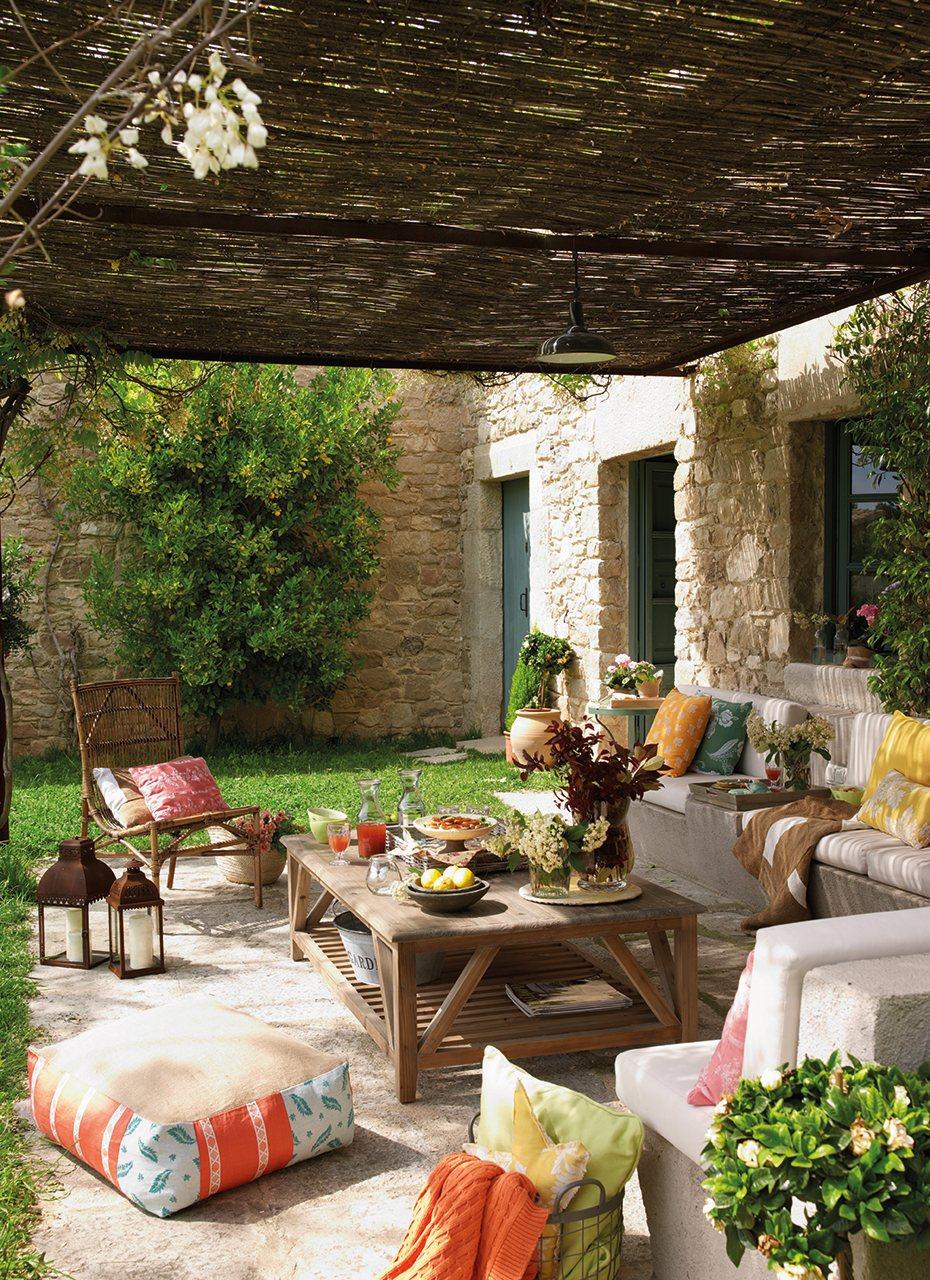 Un porche renovado for Mesa porche