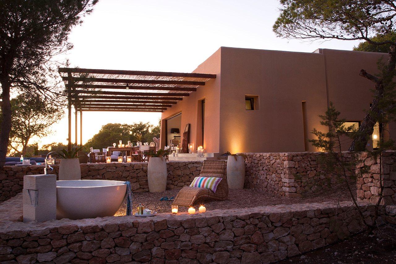 Casa en formentera con materiales aut ctonos for Terrazas 1280 a