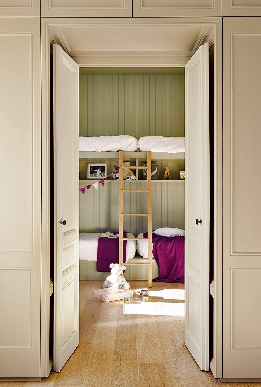 Reforma para ganar luz de estilo n rdico for Doble puerta entrada casa