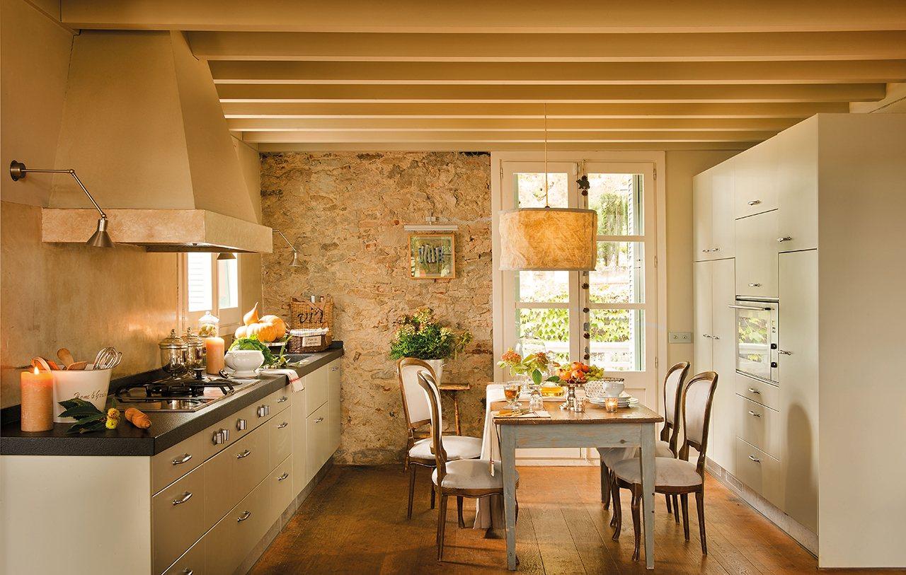 La casa de una artista - Pared de piedra ...