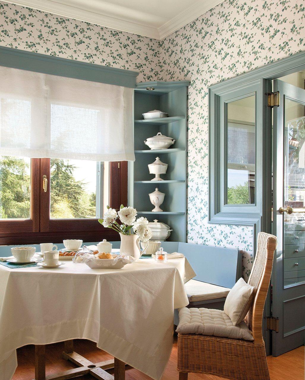 Trucos para poner un office en una cocina peque a for Mesa cocina con banco rinconera