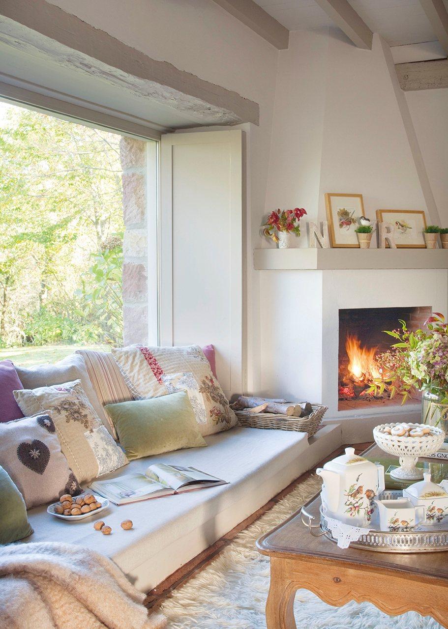Hazte hueco crea espacios nuevos en tu casa - Chimenea en esquina ...