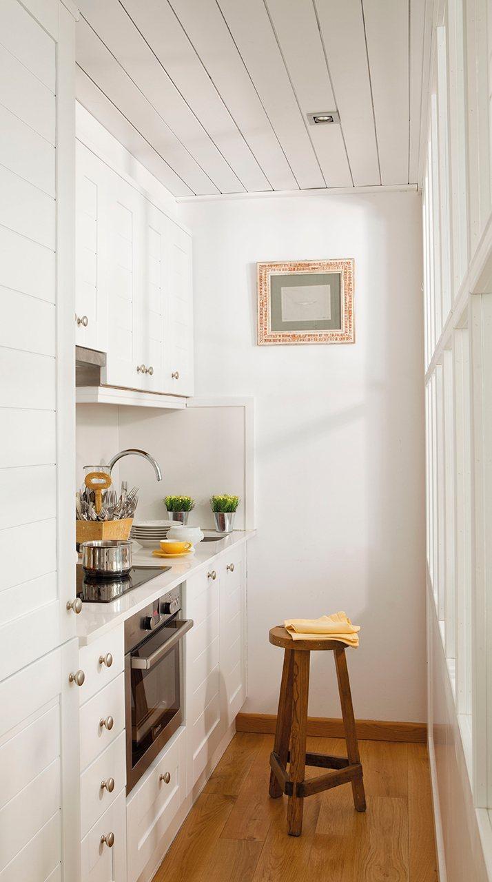 Una casa pensada al mil metro - Griferia cocina blanco ...