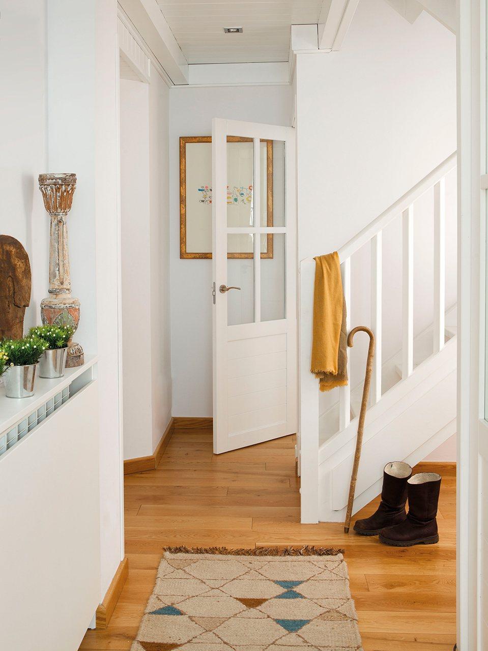 Olaimar decor el pisito 18 - Salones con escaleras ...