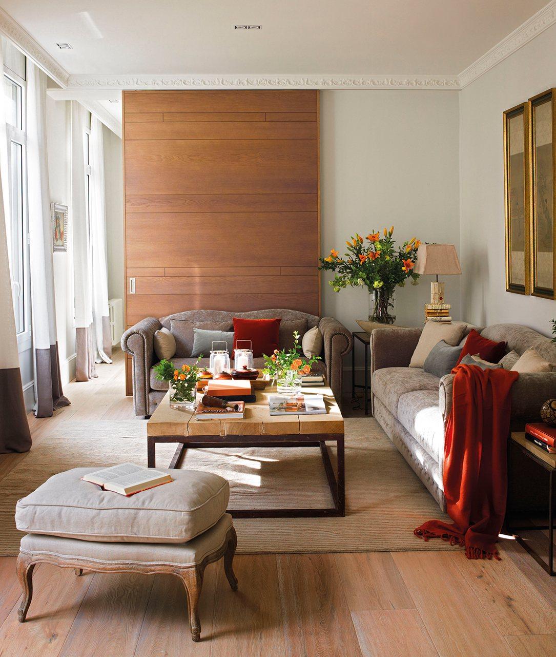 Un piso al m s puro estilo 39 el mueble 39 - Salones de madera ...