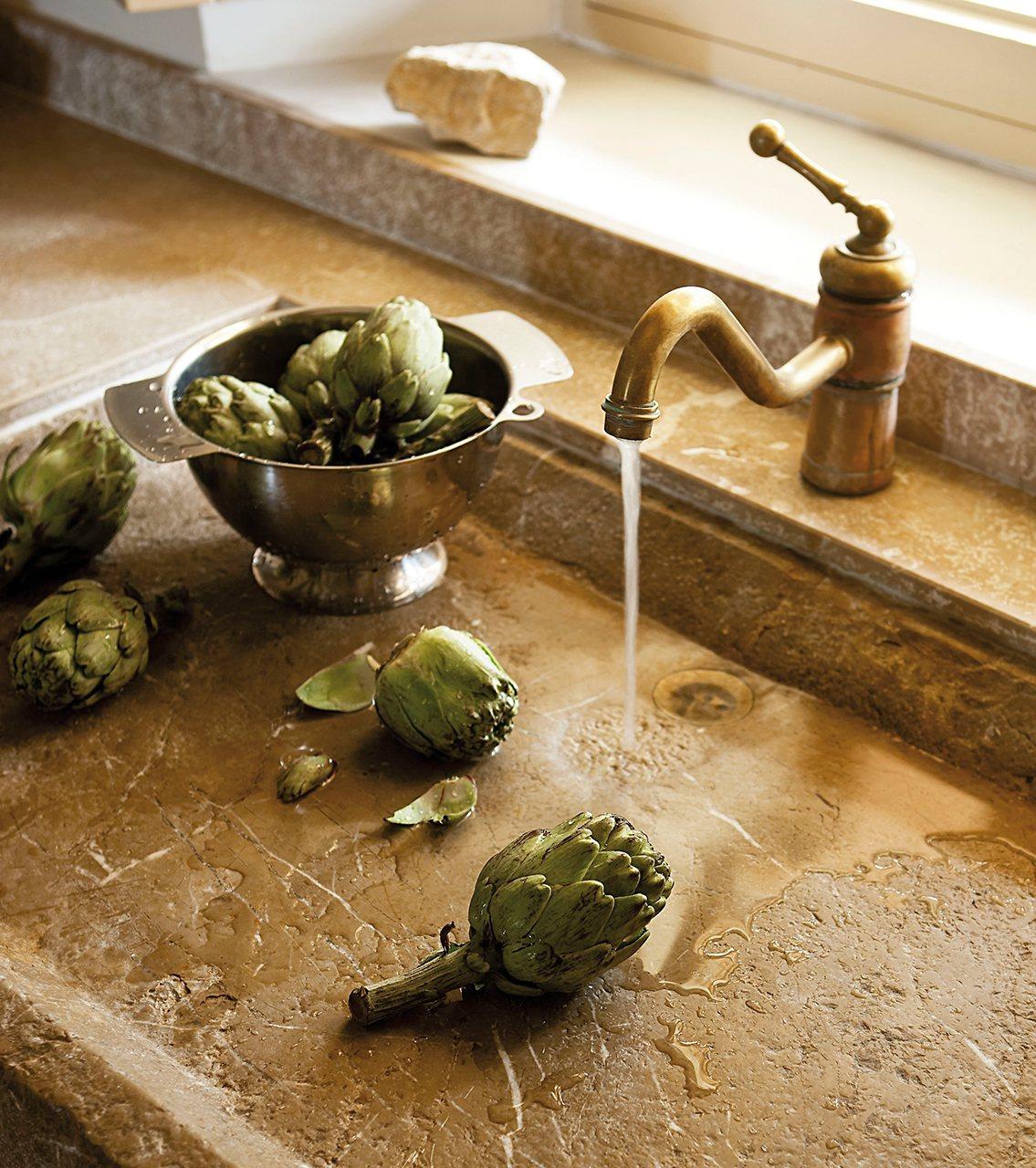 M s de 1000 im genes sobre cocinas decoradas con piedra - Fregaderos de piedra antiguos ...