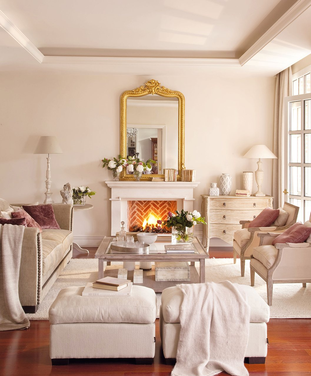 Muebles salon blanco envejecido elegant nuestra estantera for Espejo joyero conforama