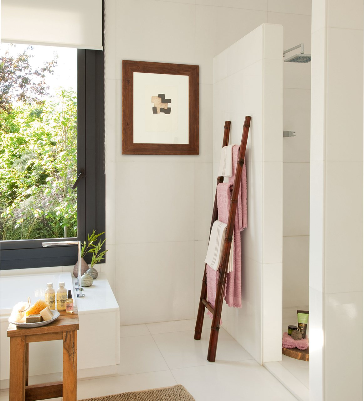 Una ducha moderna ecol gica y pr ctica - Bano con banera y ducha ...