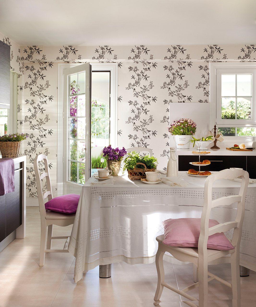 Reforma para ganar luz - Papel pintado en cocina ...