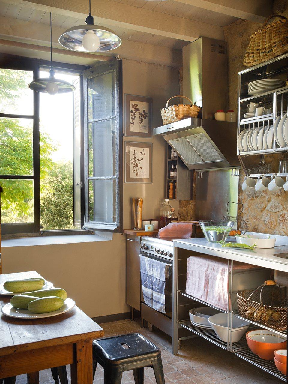 La reforma de una escuela republicana en casa rural - Fotos de cocinas rusticas de campo ...