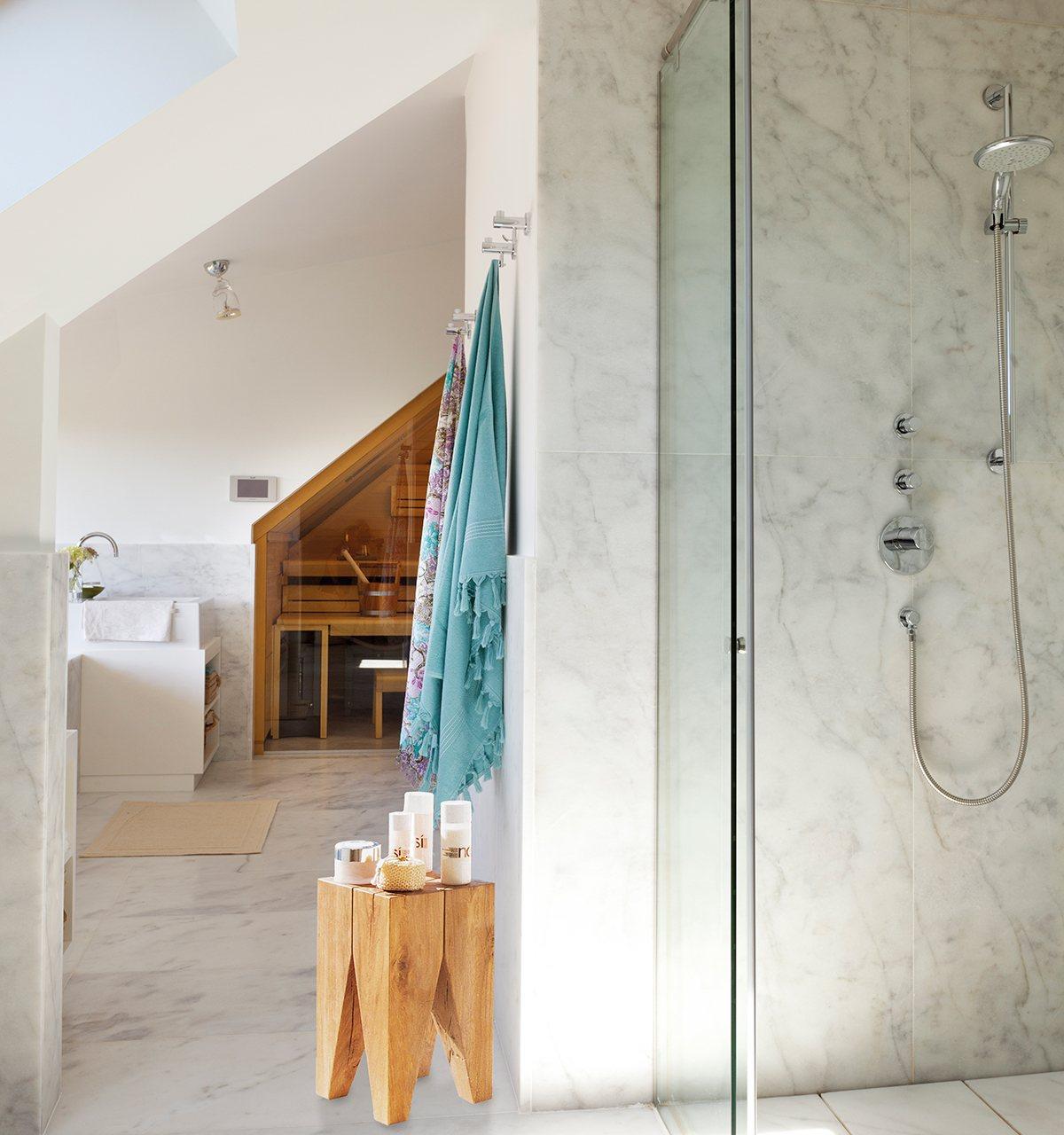 Un ba o reformado con spa mucha luz y fant sticas vistas - Bano con banera y ducha ...