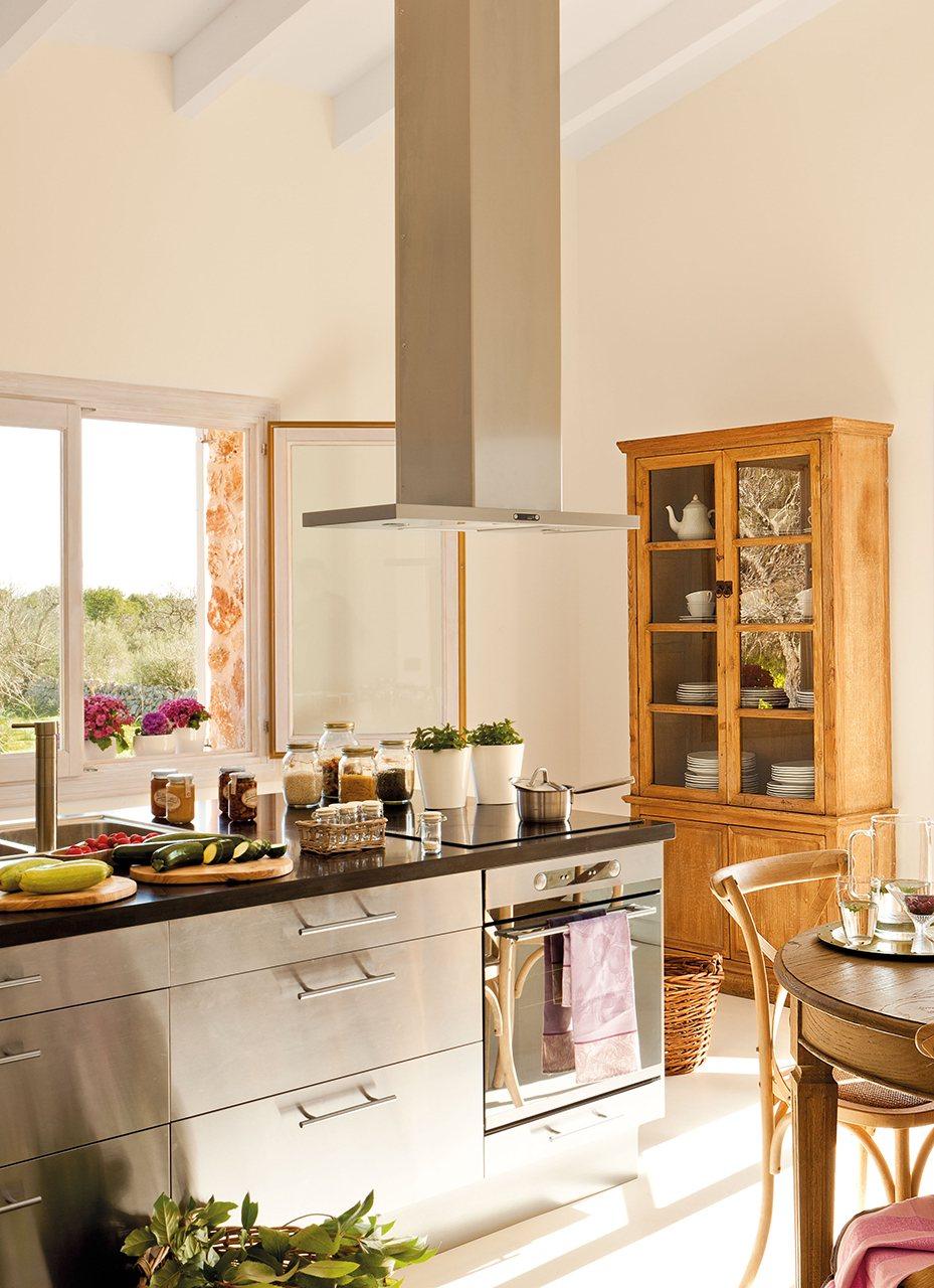 Ideas para redise ar tu cocina for Cocinas con islas en el medio
