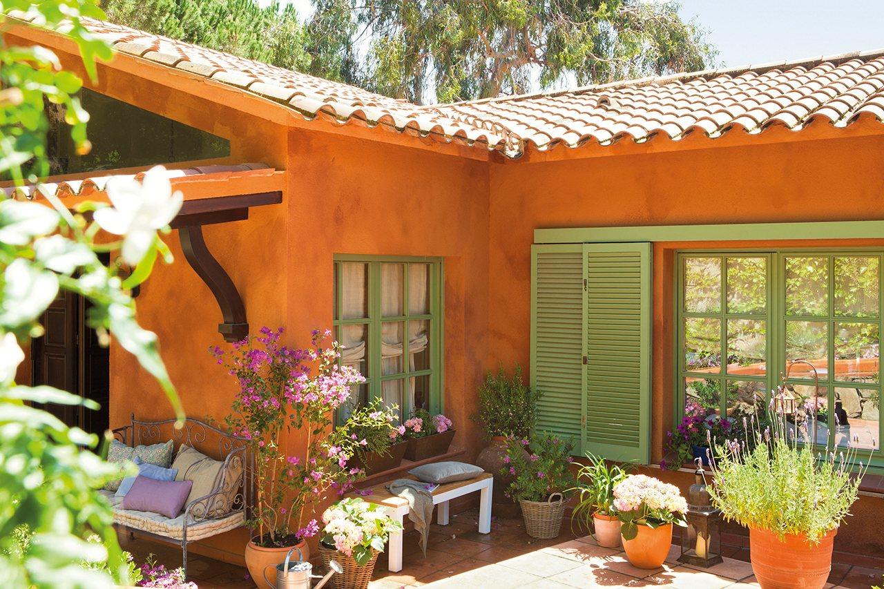 Crea un jard n en la ventana for Jardines decorados con plantas