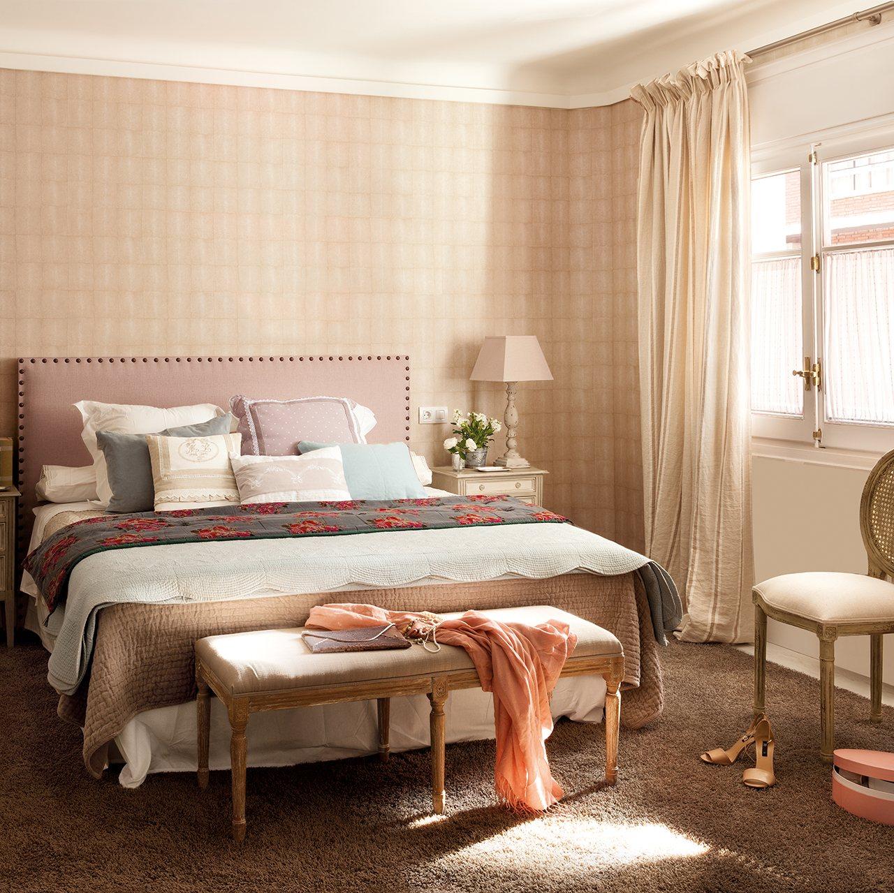 Casa de madrid reformada y decorada con papel pintado for Papel pintado dormitorio principal