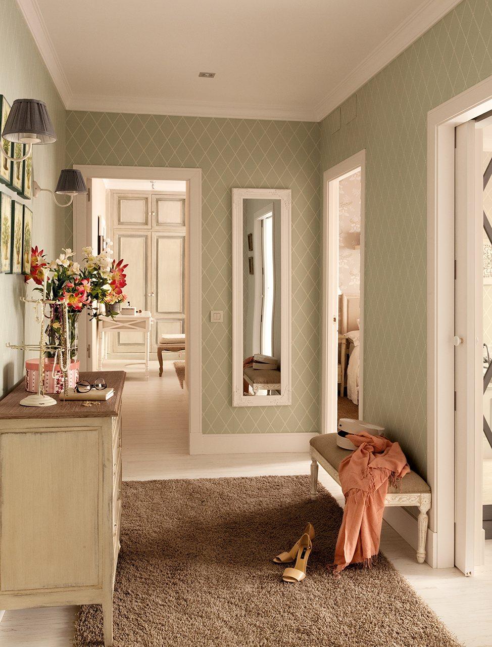 Casa de madrid reformada y decorada con papel pintado - Papel pintado para recibidores ...