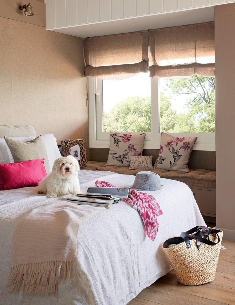 Grandes ideas para los dormitorios peque os m s bonitos - Bancos para dormitorio matrimonio ...