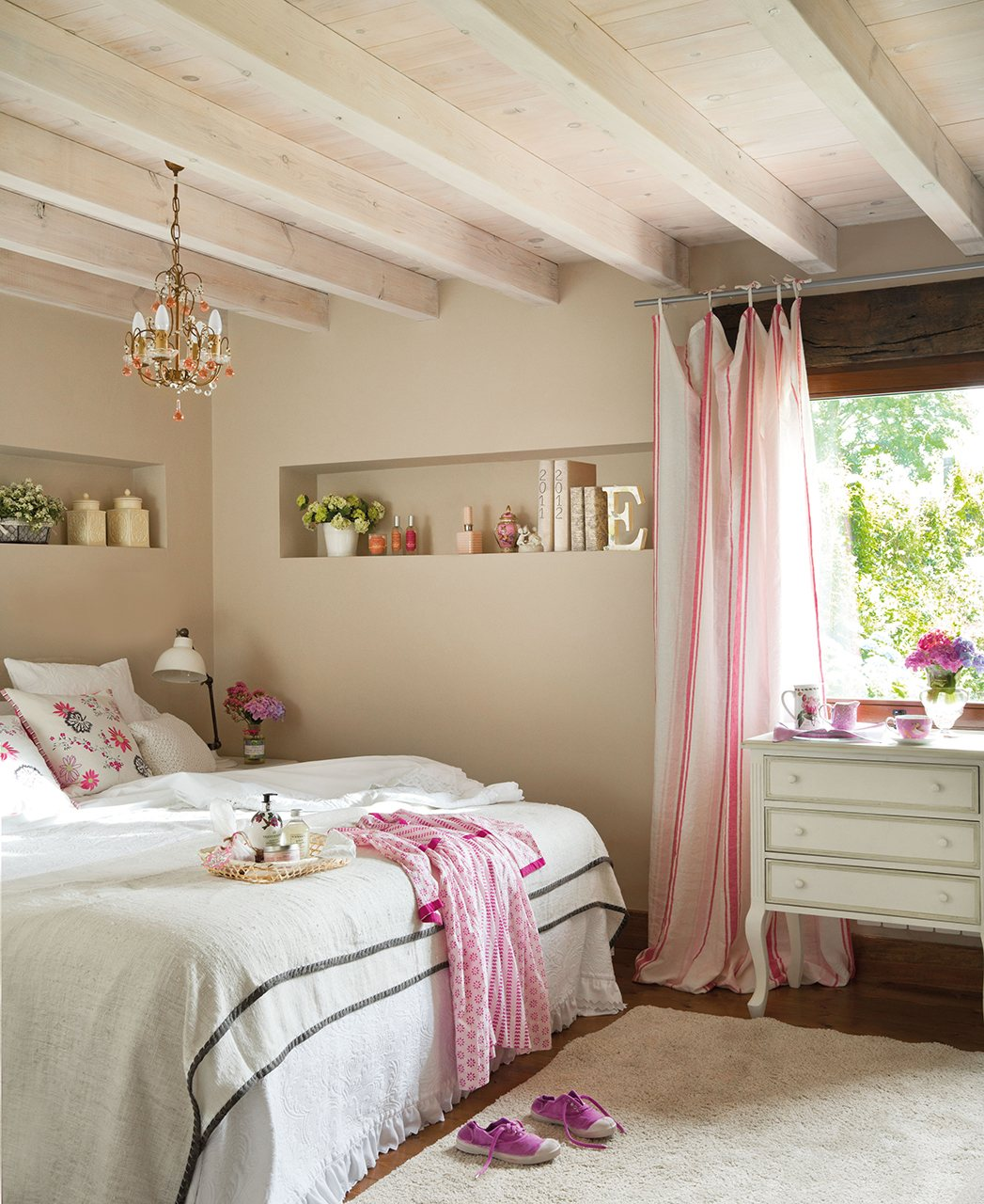 Dormitorios pequeños bonitos con grandes ideas