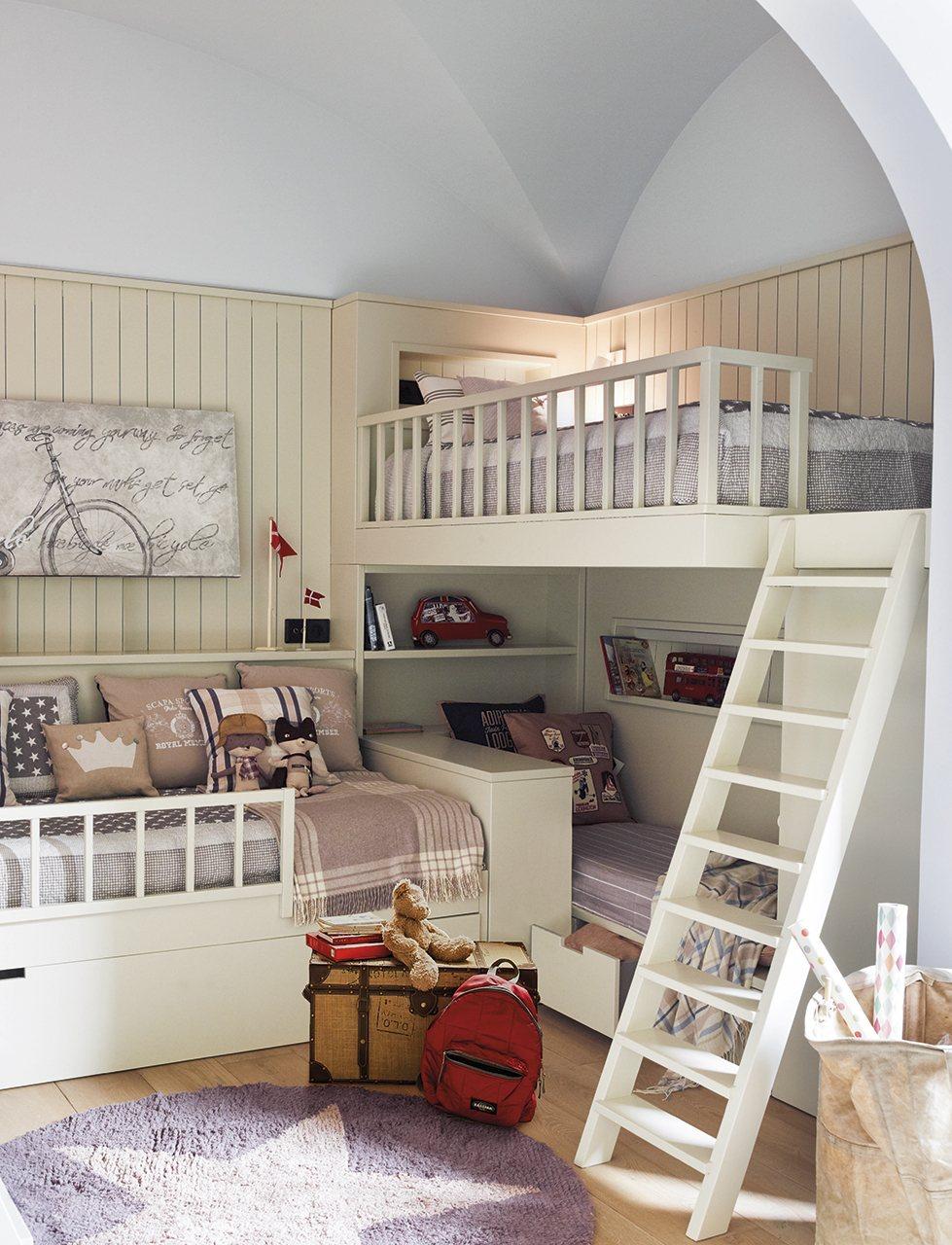 Un cuarto con estudio para tres hermanos - Habitacion con literas para ninos ...