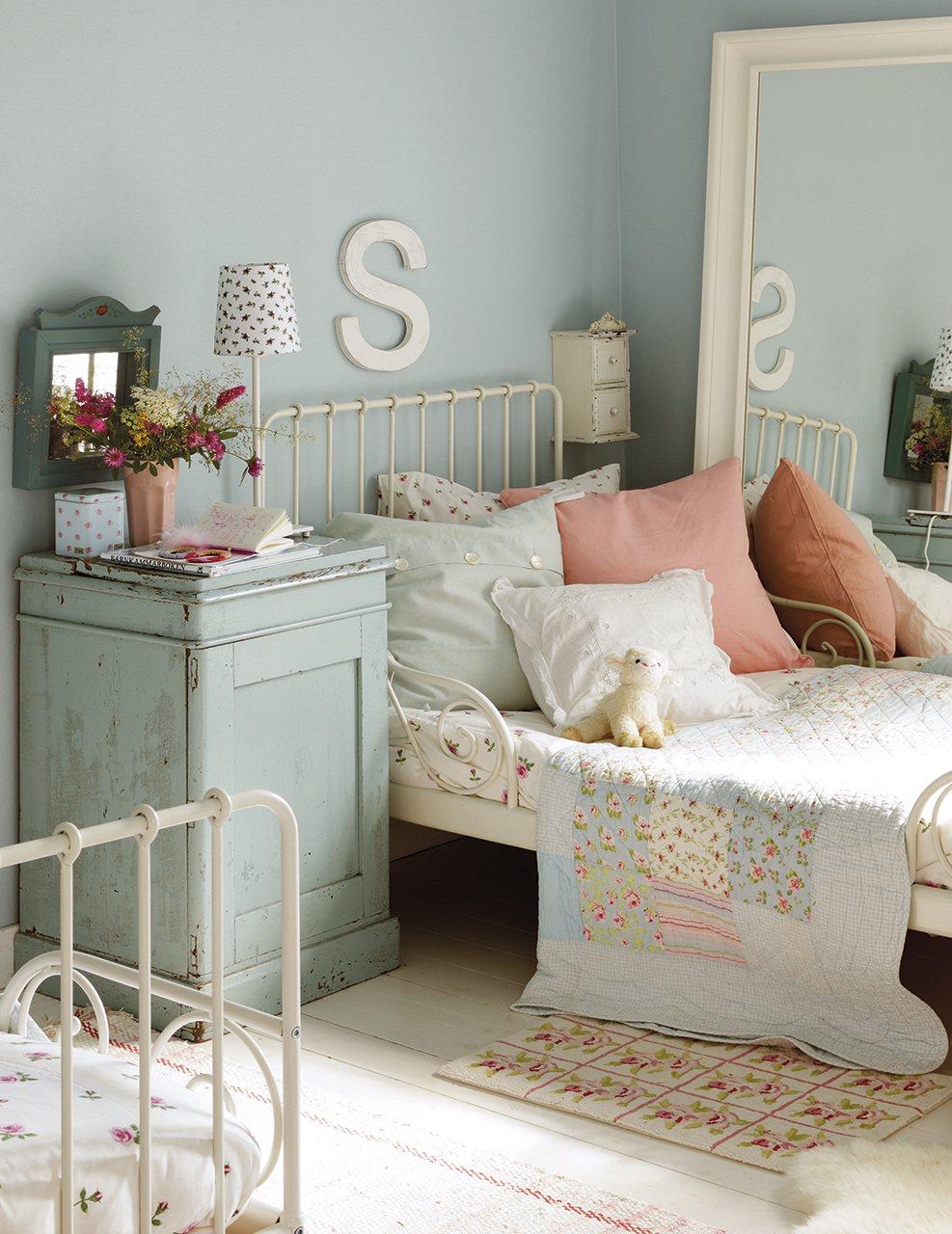 Un espacio para crecer con ellas for Dormitorio nina blanco