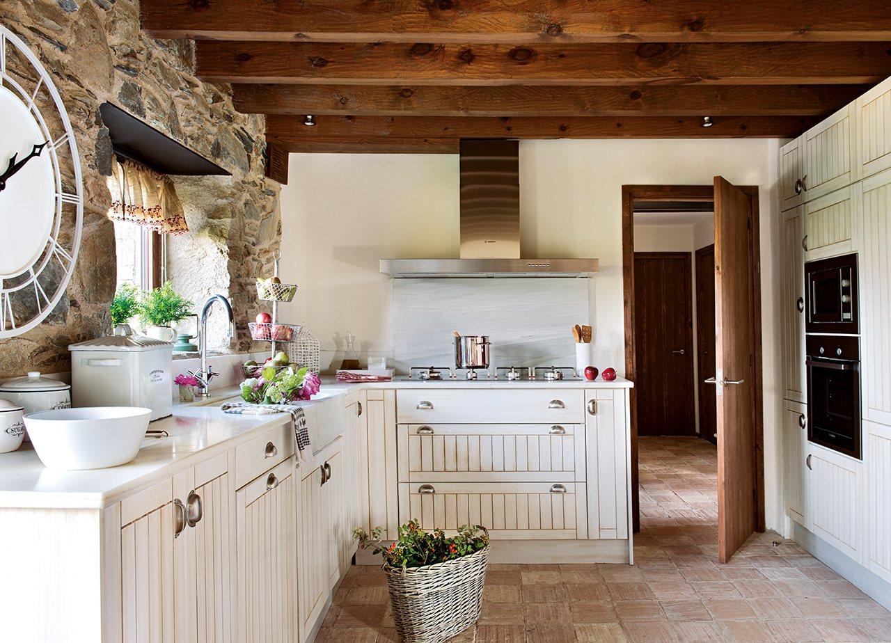 Clase de naturales - Cocina rustica blanca ...