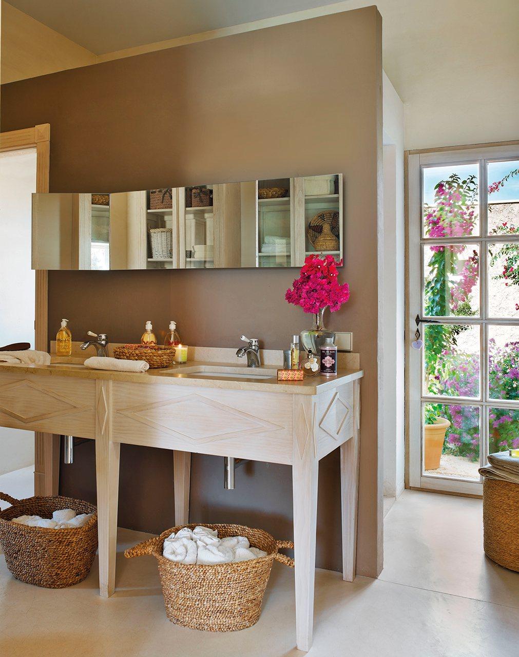 Baño Con Vista Al Jardin:Detener el tiempo