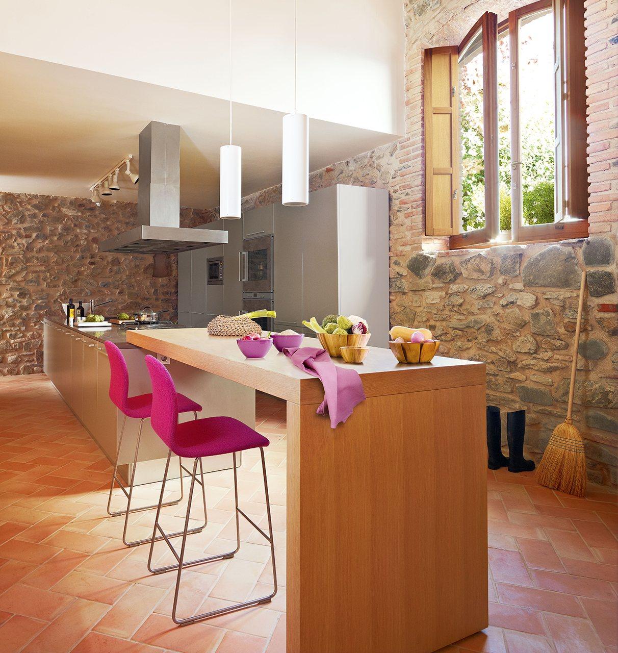 El office perfecto para cada estilo de vida for Isla de cocina con mesa