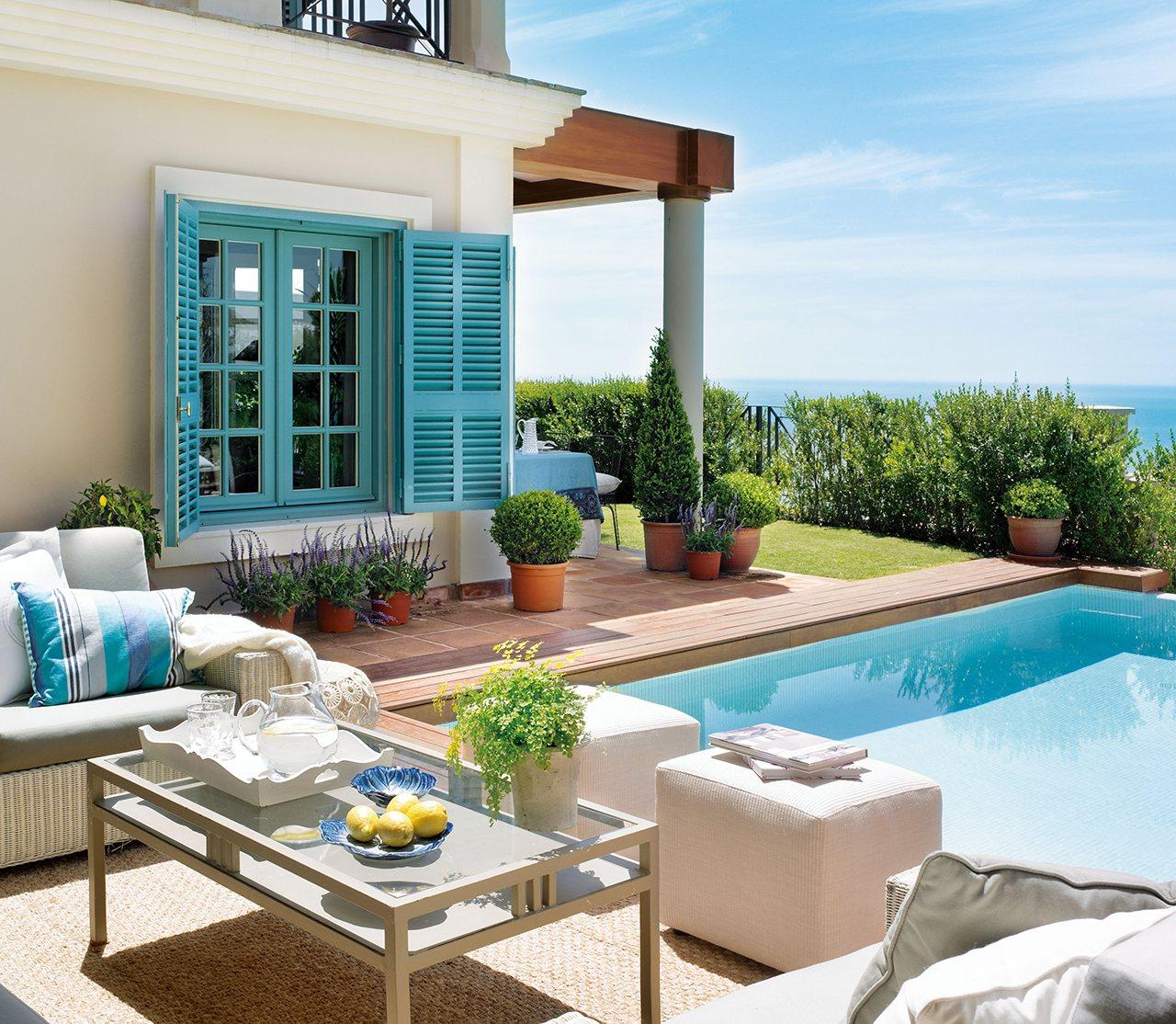 Piscinas m s naturales for Duchas solares para piscinas