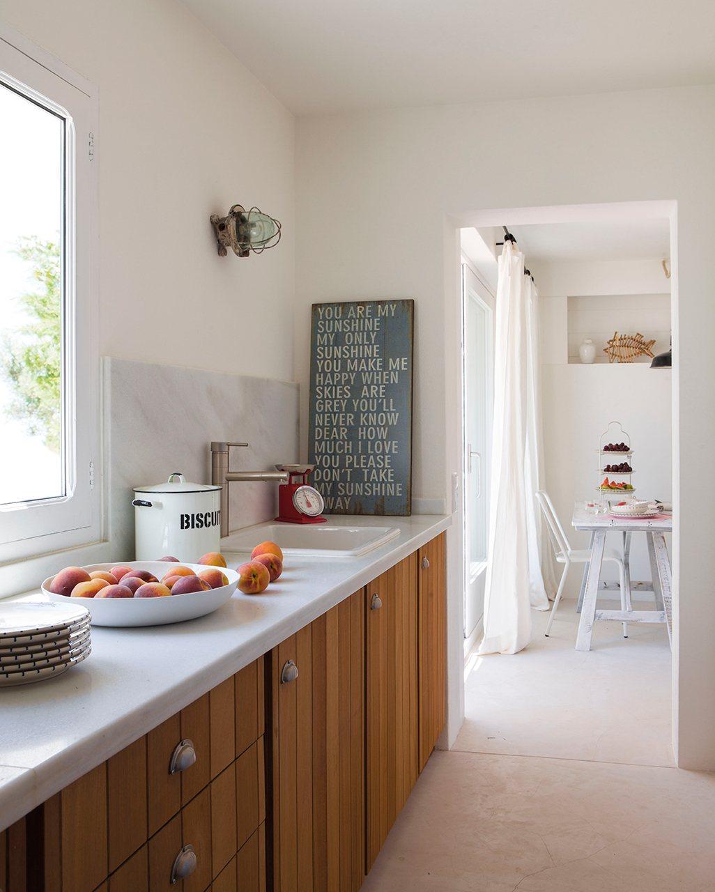 #694023 Cómo decorar un apartamento de 37 metros cuadrados en Formentera 1026x1280 píxeis em Como Decorar La Sala Comedor De Un Apartamento Pequeño