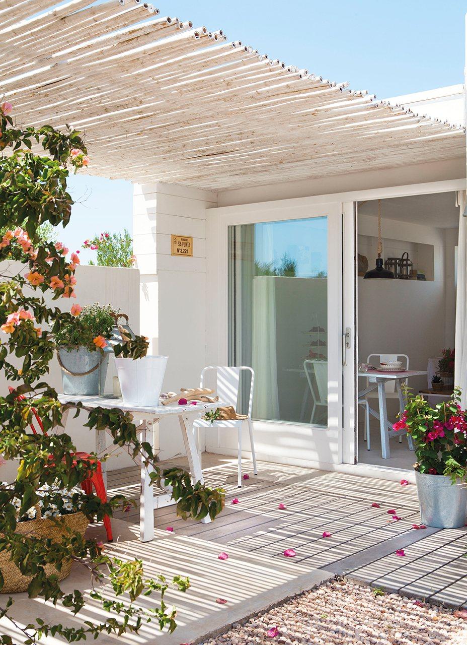 C mo decorar un apartamento de 37 metros cuadrados en - Decorar porche pequeno ...
