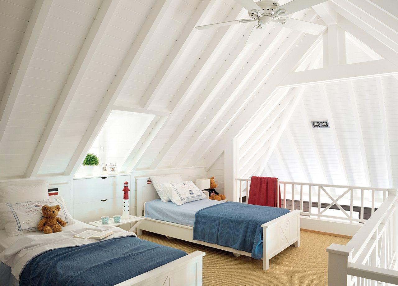 Una casa en marbella que es como el mism simo para so - Techo abuhardillado ...