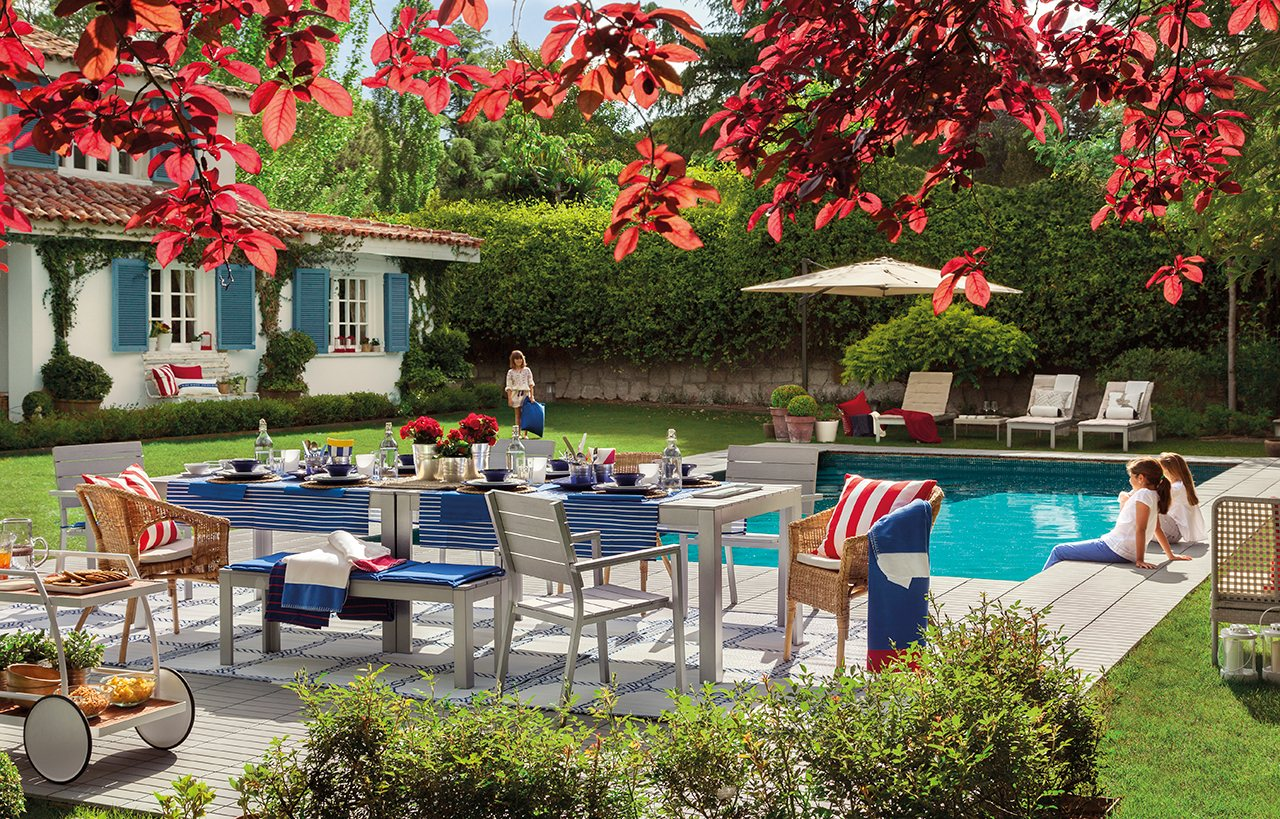 Porche terraza piscina vive el exterior for Decoracion jardin ikea