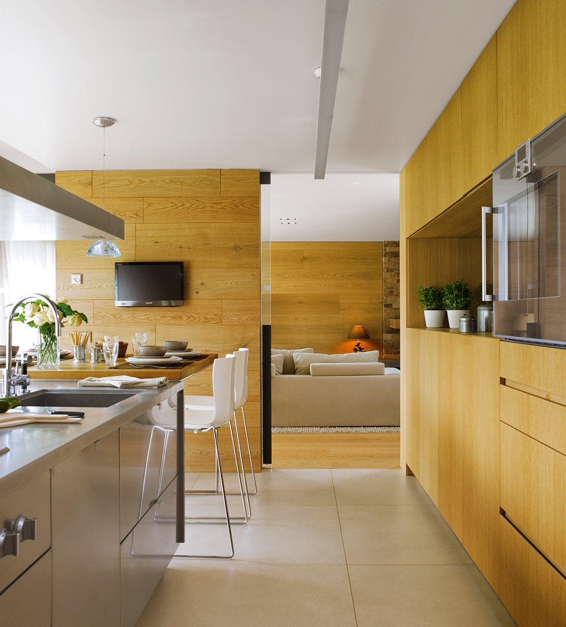 Una cocina mirador de roble for Cocinas de madera de roble