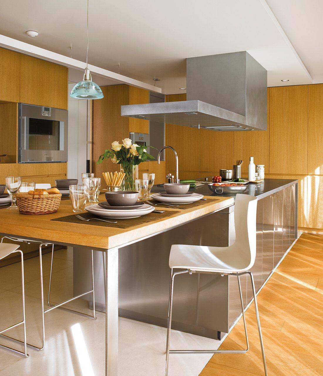 Una cocina mirador de roble