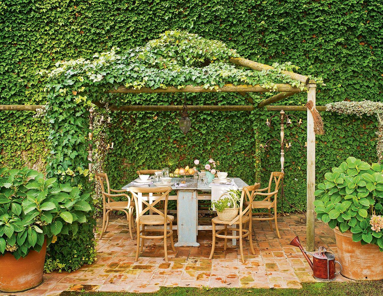 Un antiguo pajar que acab siendo la casa ideal for Cenador para jardin