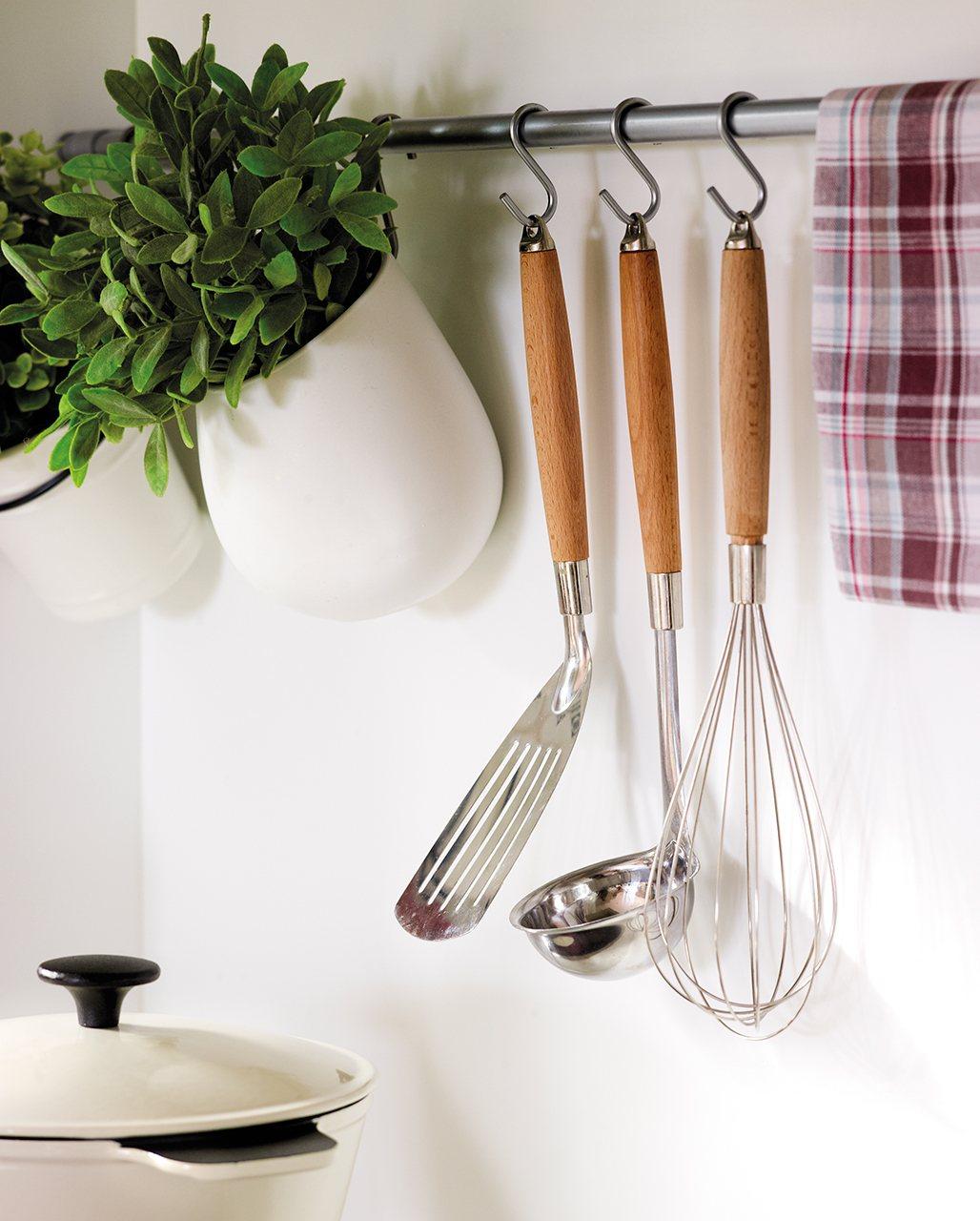 Organiza la cocina y tenlo todo a mano - Ikea cubiertos cocina ...