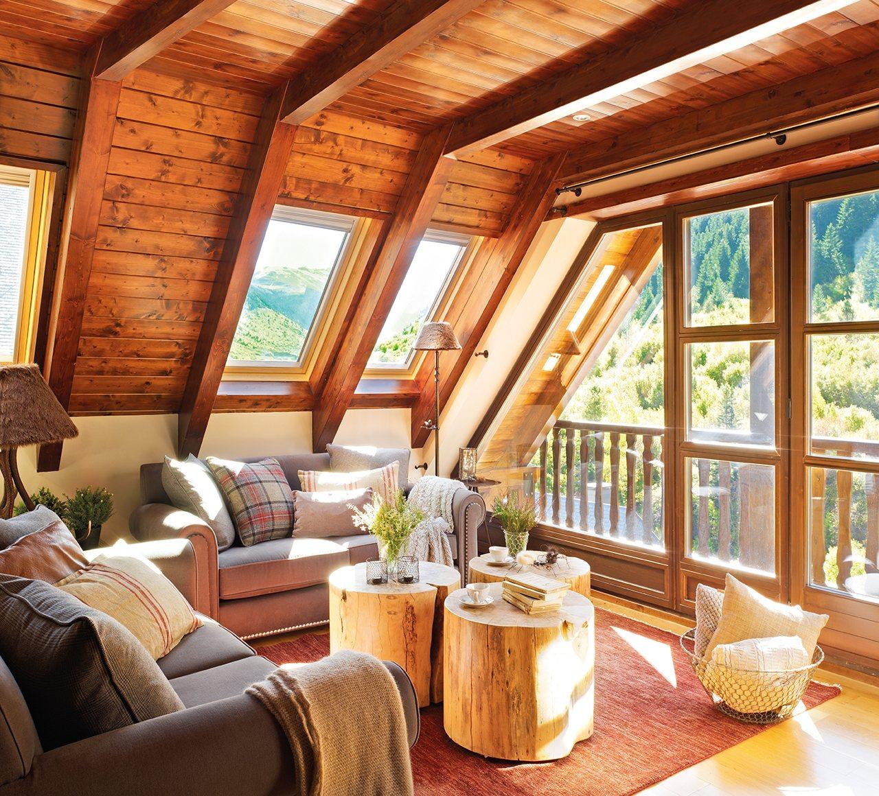 Ventanas 7 ideas para ganar luz y metros - Techo de madera interior ...
