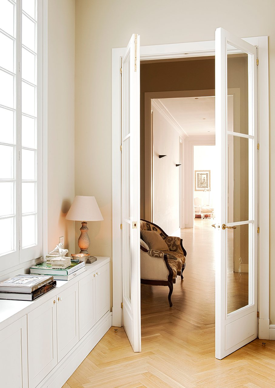 Muebles que aprovechan espacio for Muebles para recibidores pequenos