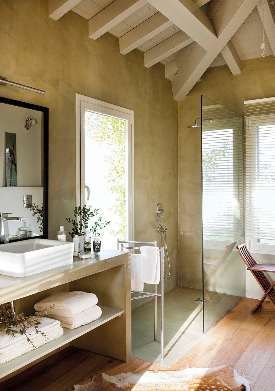 Baño Abierto Al Vestidor: blanco Un baño abierto al dormitorio y al vestidor Siguiente